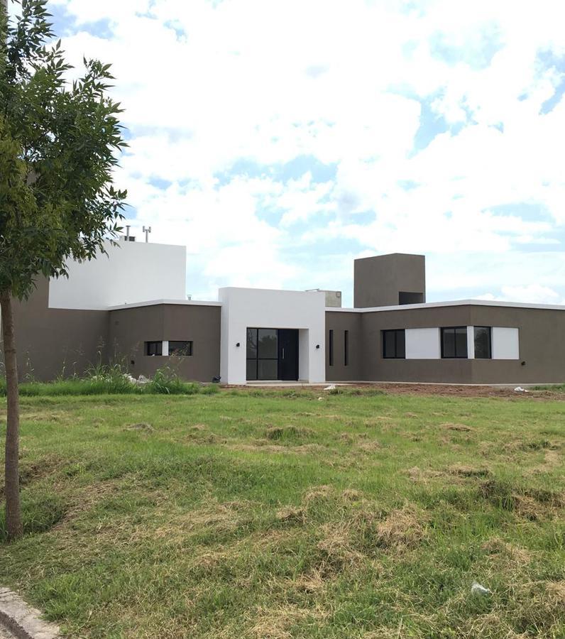Foto Casa en Venta en  Villa Allende,  Cordoba Capital  lote 9 manzana al 200