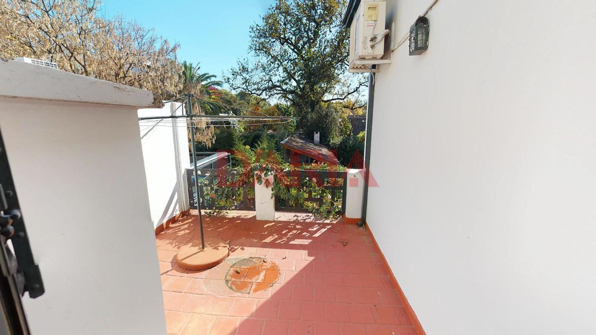 Foto Casa en Venta en  Olivos-Vias/Maipu,  Olivos  J B Alberdi al 900