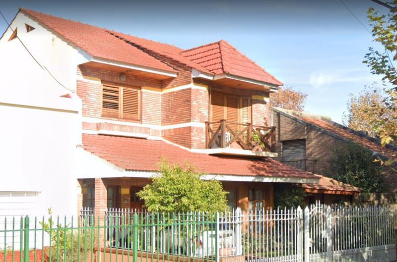 Foto Casa en Venta en  Lomas De Zamora ,  G.B.A. Zona Sur  Ramon Falcon 560