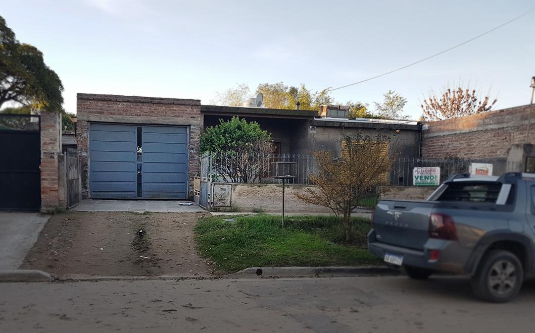 Foto Casa en Venta en  Santa Rosa,  Capital  Rio de La Plata al 1100