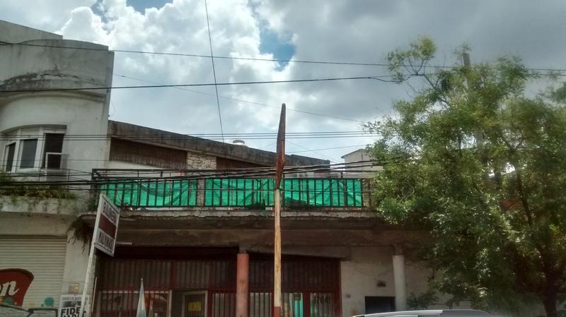 Foto Terreno en Venta en  Moron,  Moron  Avenida Rivadavia al 17600