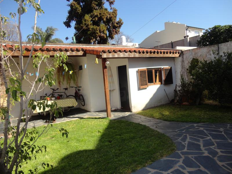 Foto Casa en Venta en  Olivos,  Vicente Lopez  MANUEL OBARRIO al 2000