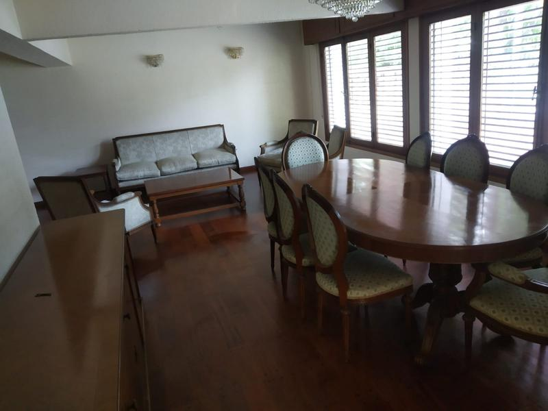 Foto Casa en Alquiler en  Carrasco ,  Montevideo  Casa impecable para empresa en Carrasco