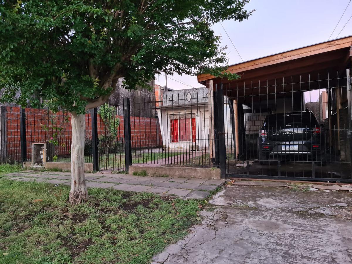Foto Casa en Venta en  Parque San Martin,  Merlo  BEBEDERO al 500