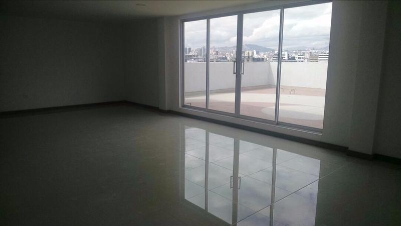 Foto Oficina en Venta en  Centro Norte,  Quito          QUITO, VENTA 2 OFICINAS  AVDA SHYRIS MS