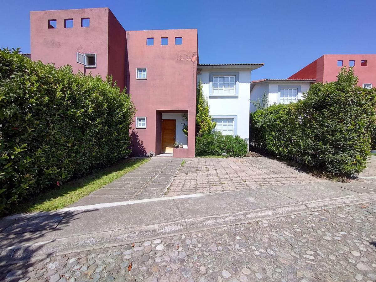 Foto Casa en condominio en Renta en  Villas del Campo,  Calimaya  CASA EN RENTA VILLAS DEL CAMPO