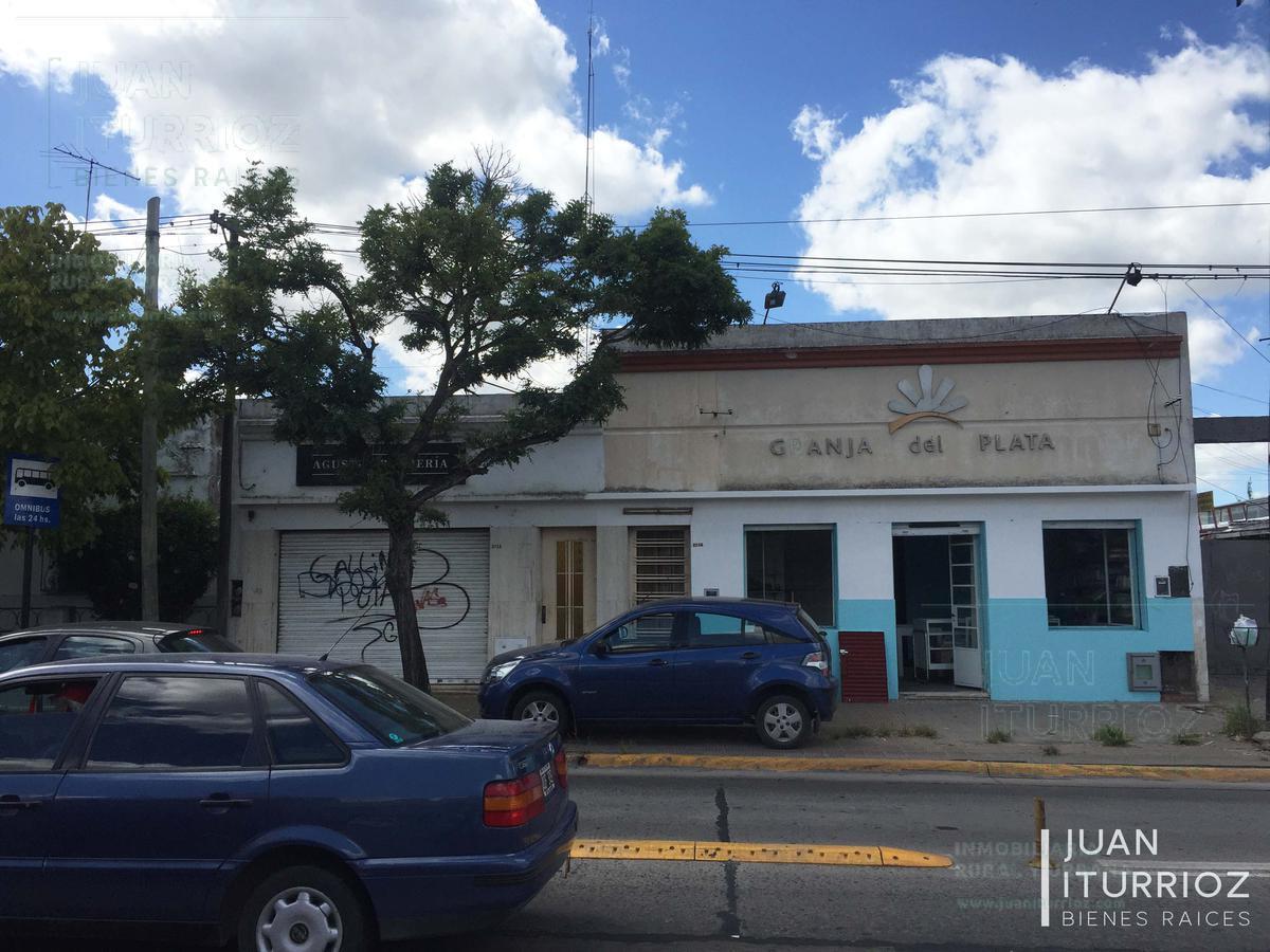 Foto Casa en Venta en  Los Hornos,  La Plata  44 e/ 137 y 138 - La Plata
