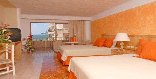 Foto Edificio Comercial en Venta en  Zona Hotelera Norte,  Puerto Vallarta  Hotel de 3 torres venta en Puerto Vallarta Zona Hotelera, frente a playa.