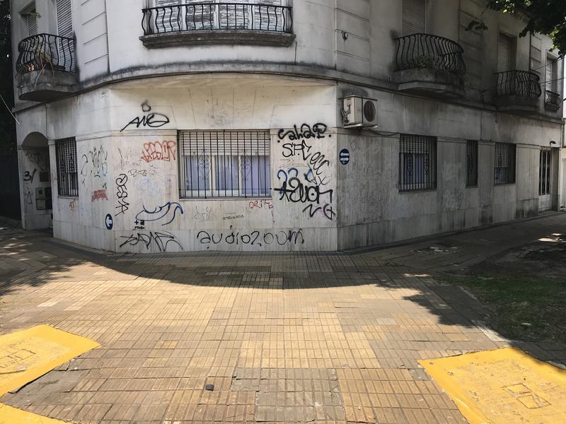Foto Casa en Venta en  Lomas de Zamora Oeste,  Lomas De Zamora  ALEM 603 ESQUINA CASTELLI