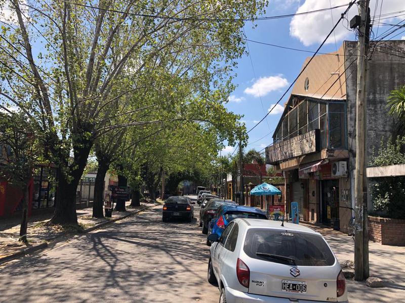 Foto Local en Alquiler en  Ezeiza ,  G.B.A. Zona Sur  Paso de La Patria 74