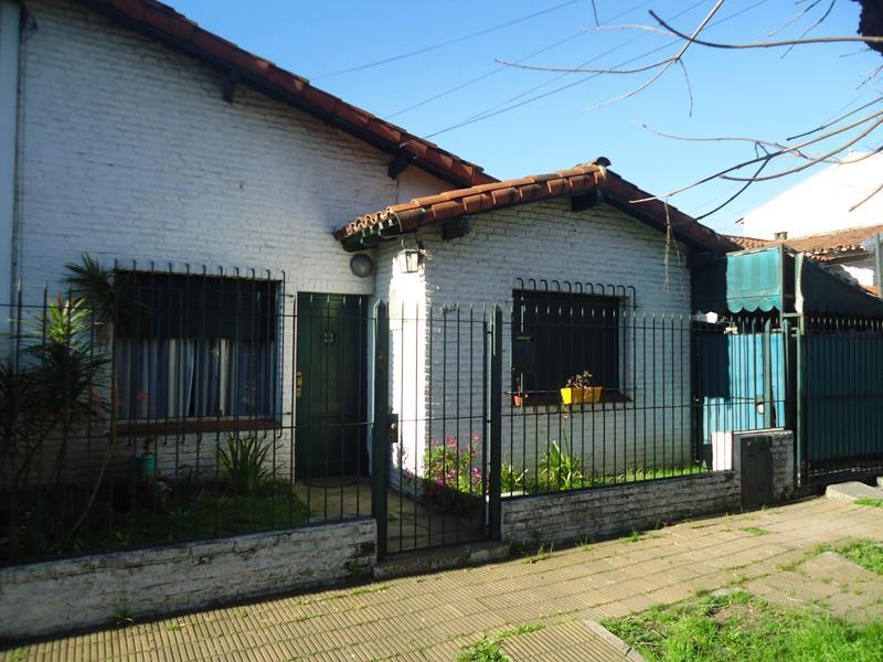 Foto Casa en Venta en  Olivos,  Vicente Lopez  Diaz Velez al 2900