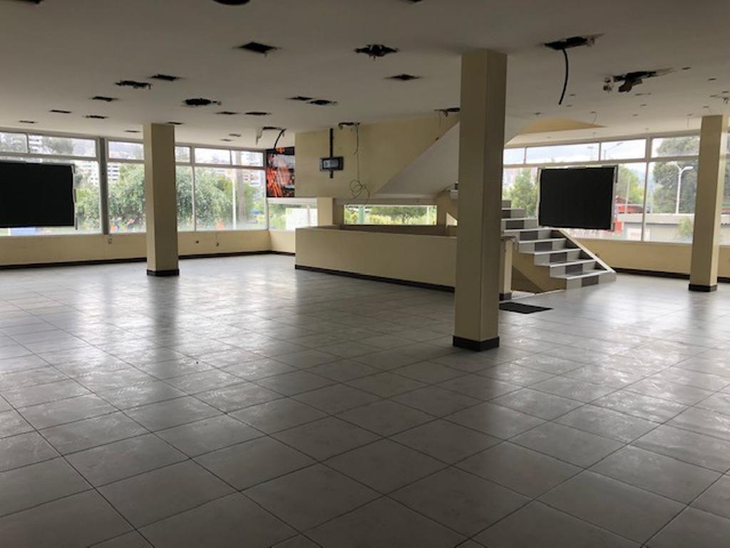 Foto Local en Venta en  Centro Norte,  Quito  Excelente ubicación, La Carolina, 979 m2 para oficinas o negocio