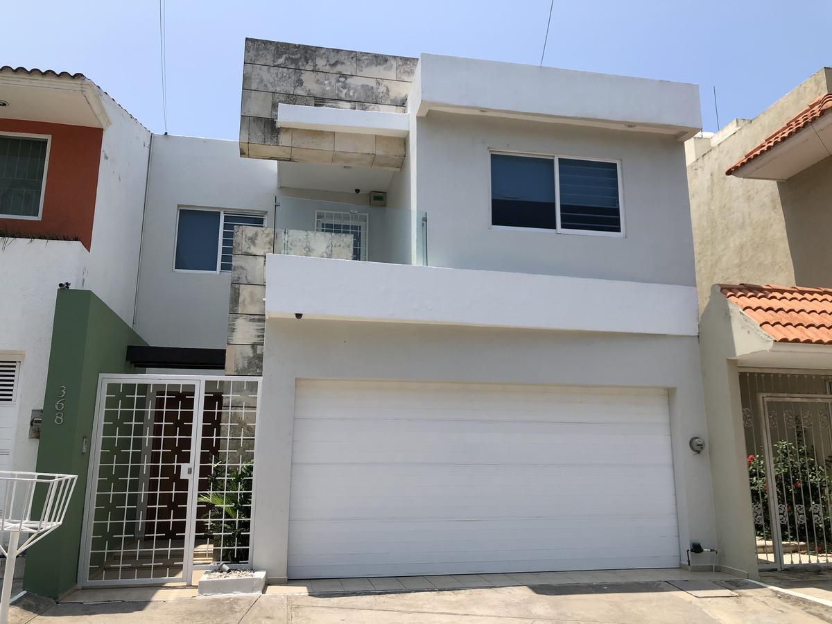 Foto Casa en Renta en  Fraccionamiento Costa de Oro,  Boca del Río  COSTA DE ORO, Casa en RENTA AMUEBLADA con cuarto de servicio, 3 recámaras
