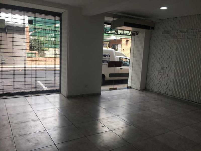 Foto Local en Alquiler en  Monserrat,  Centro (Capital Federal)  Moreno al 1100