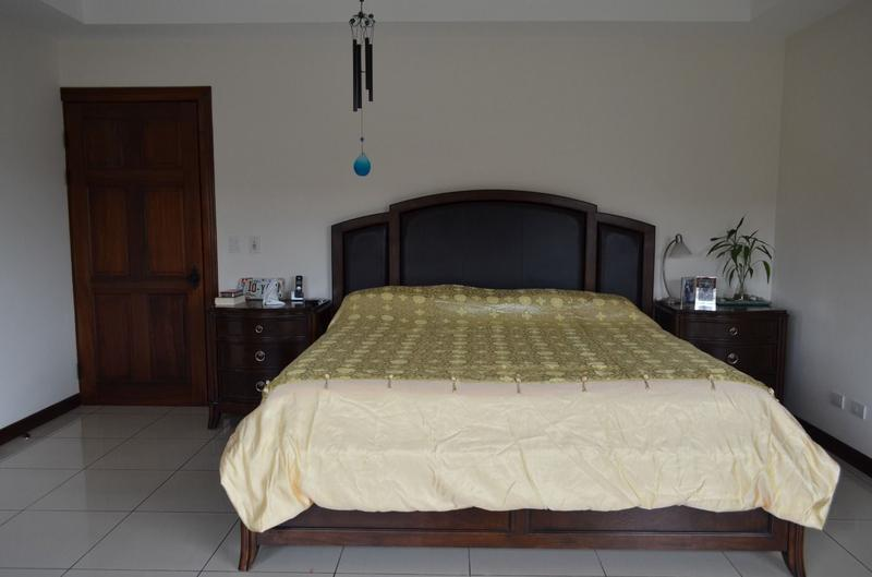 Foto Casa en condominio en Venta | Renta en  Pozos,  Santa Ana  COMPRE ALQUILANDO!! Casa Esquinera/ Amplia/ Gimnasio/ Tenis