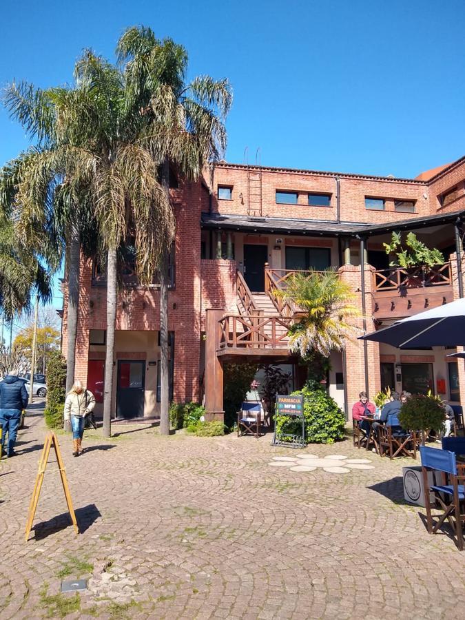 Foto Oficina en Venta en  Las Lomas-San Isidro,  Las Lomas de San Isidro  Blanco Encalada 88 Local 2  Lomas de San Isidro