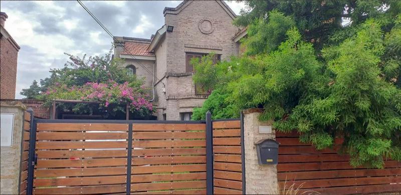 Foto Casa en Alquiler en  El Pinar ,  Canelones  Barrio Jardín, El Pinar
