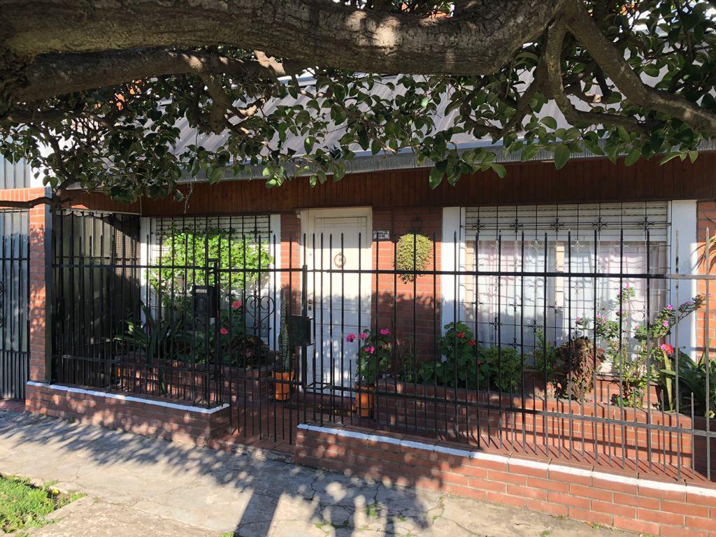 Foto Casa en Venta en  Wilde,  Avellaneda  Corvalan 1310