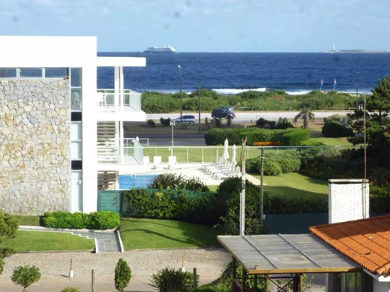 Foto Departamento en Venta en  Playa Brava,  Punta del Este  ANTIBES