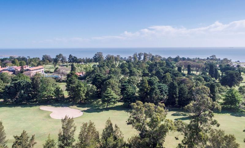 Foto Departamento en Venta   Alquiler en  Golf ,  Montevideo  Frente al Golf , más 100m2, dos terrazas
