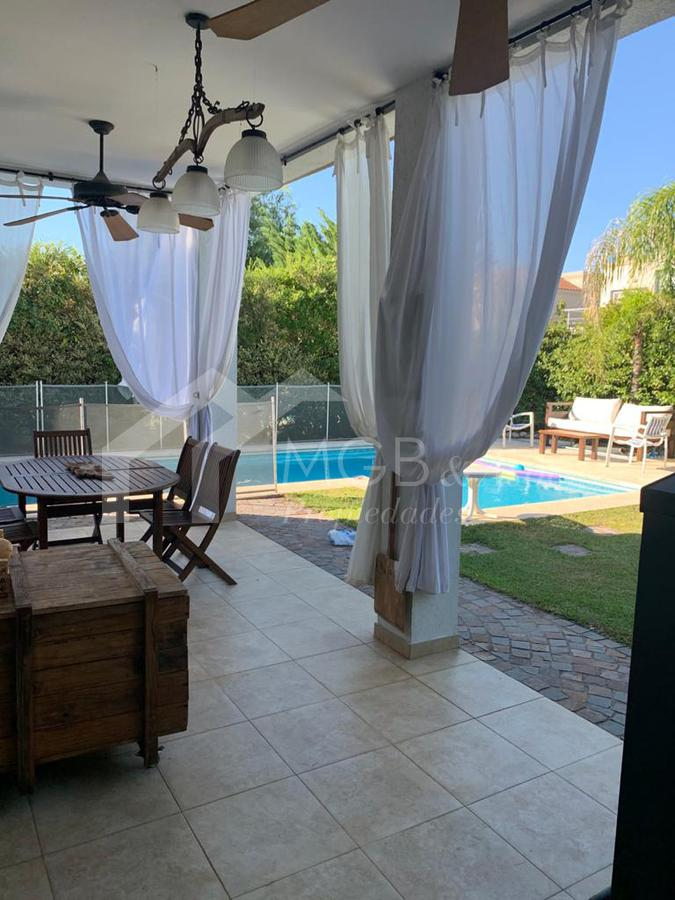 Foto Casa en Alquiler temporario en  Los Sauces,  Nordelta  NORDELTA - BARRIO LOS SAUCES