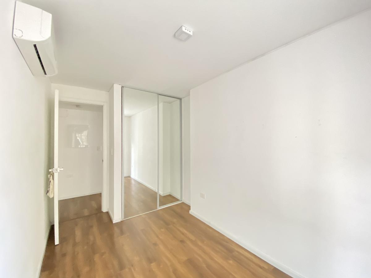 Foto Apartamento en Venta en  Ciudad Vieja ,  Montevideo  Andes al 1100