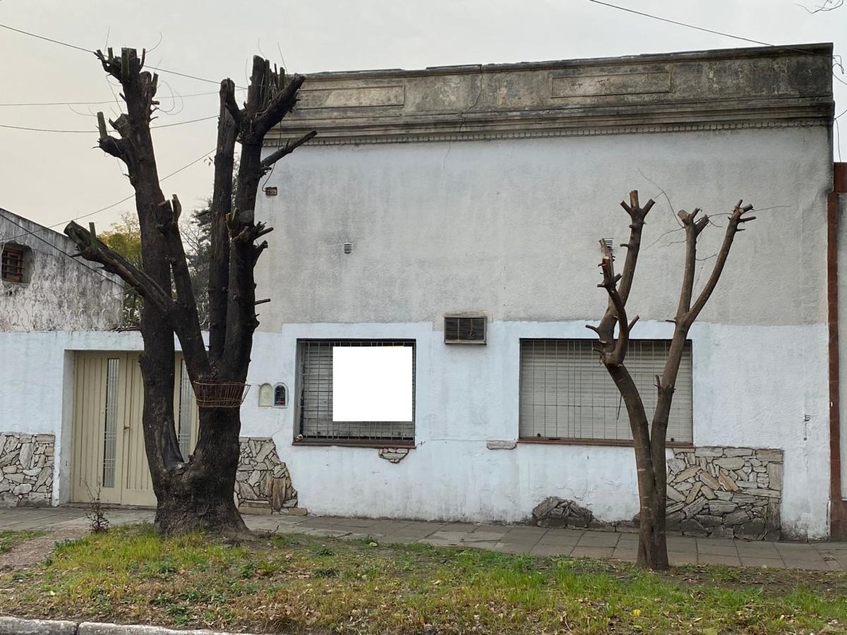 Foto Casa en Venta en  Bella Vista,  San Miguel  Sourdeaux al 1400