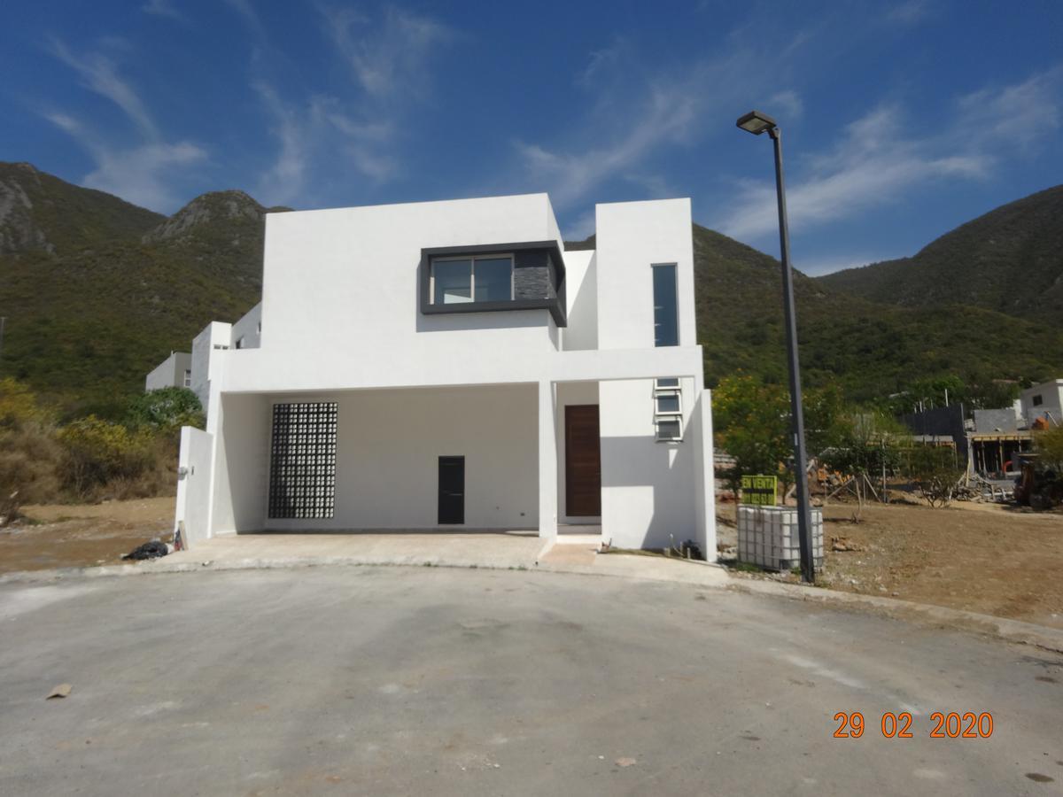 Foto Casa en Venta en  Villas la Rioja,  Monterrey  Villas la Rioja