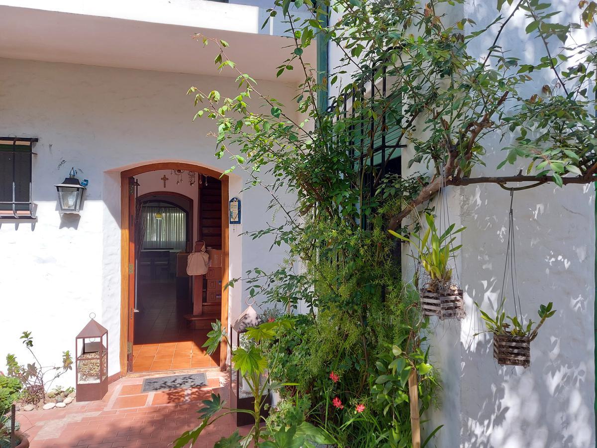 Foto Casa en Alquiler temporario | Alquiler en  V.Lopez-Vias/Maipu,  Barrio Vicente López  Libertad al 1100