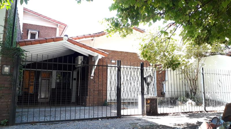 Foto Casa en Venta en  Castelar Sur,  Castelar  Bahía Blanca al 100