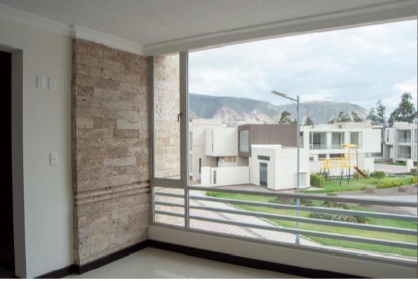 Foto Casa en Venta en  Norte de Quito,  Quito  ESPLENDIDA CASA MITAD DEL MUNDO SP.