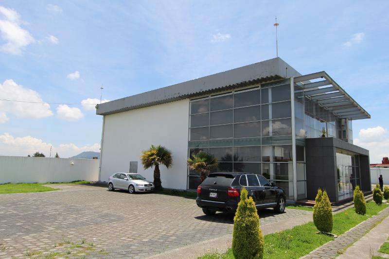 Foto Edificio Comercial en Renta en  Cacalomacan,  Toluca  Avenida Pacifico Edificio de Oficinas en Venta o Renta