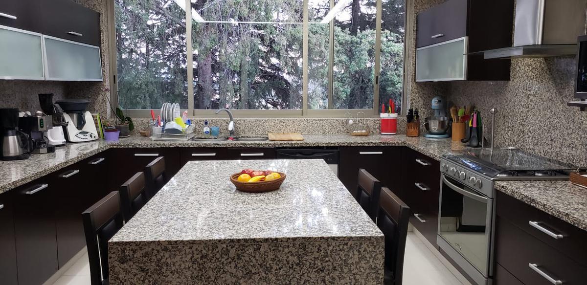 Foto Casa en Venta en  Parques de la Herradura,  Huixquilucan  Casa en Venta Parques de la Herradura  en Cerrada