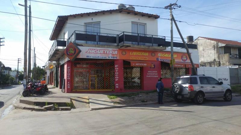 Foto Local en Venta en  Ituzaingó,  Ituzaingó  Monroe y brandsen