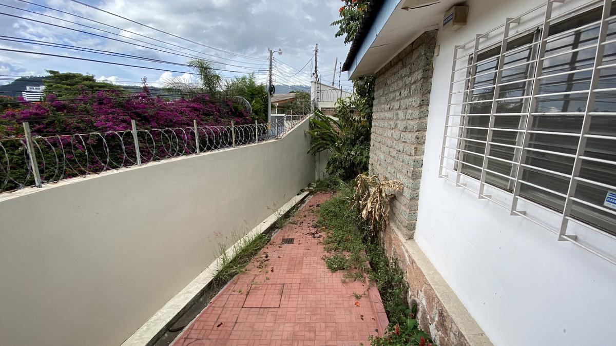 Foto Casa en Renta en  Lomas del Guijarro,  Tegucigalpa  Casa de 3 habitaciones en Lomas del Guijarro