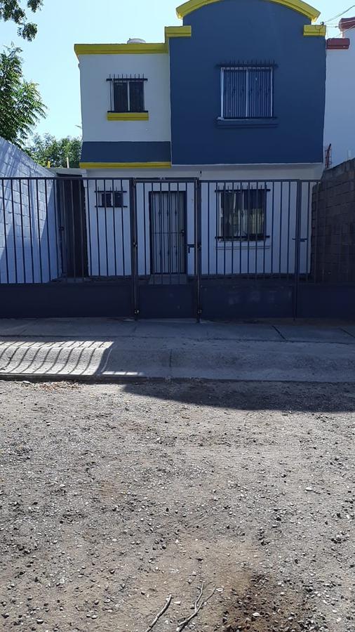 Foto Casa en Venta en  Fraccionamiento Alameda,  Culiacán  CASA LIBRE DE GRAVAMEN LISTA PARA HABITAR, FRACC. ALAMEDA