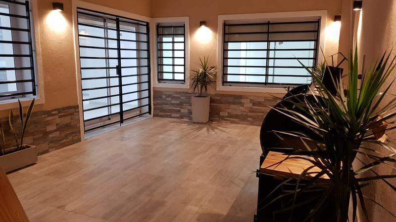 Foto PH en Venta en  Mataderos ,  Capital Federal  P.H. 4 ambientes, Miralla al 1100, mataderos, refaccionado íntegramnete a nuevo, con patio y terraza.