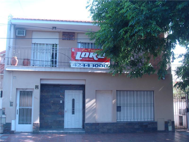 Foto Casa en Venta |  en  Lomas de Zamora Este,  Lomas De Zamora  MELO 200