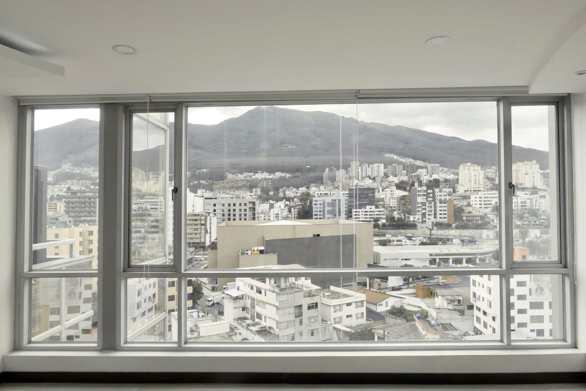 Foto Oficina en Alquiler | Venta en  Centro Norte,  Quito  Vendo o Rento oficina Gaspar de Villarroel