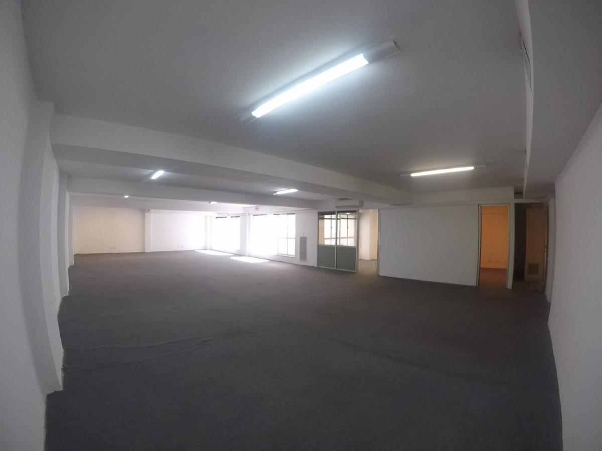 Foto Oficina en Alquiler en  Centro (Capital Federal) ,  Capital Federal  Oficina de 250m2 con 2 cocheras sobre Sarmiento 700, Caba