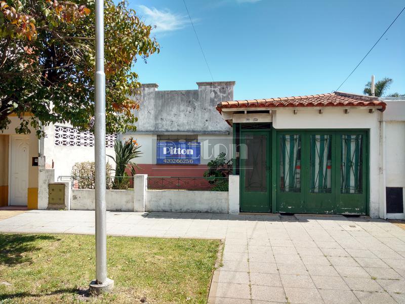 Foto Casa en Venta |  en  Remedios De Escalada,  Lanus  San Lorenzo 3869
