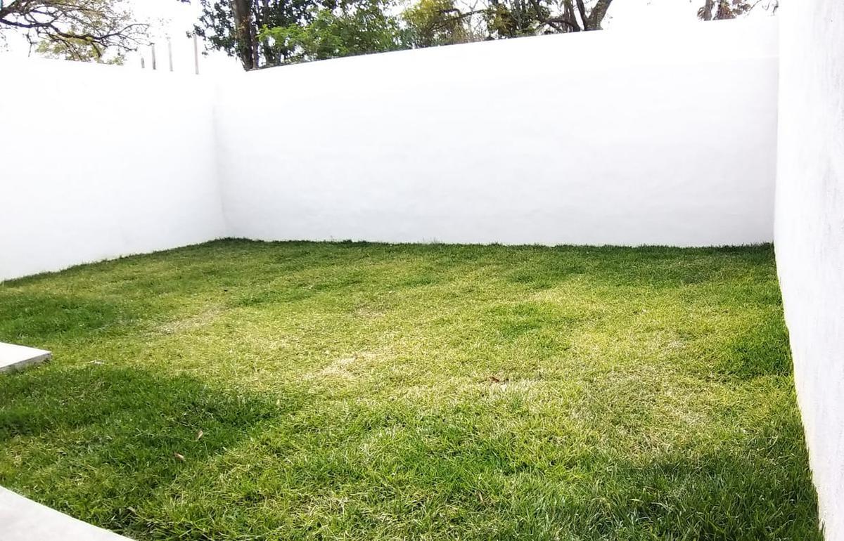 Foto Casa en Venta en  El Barro,  Santiago  Casa en Venta en Los Olivos en Zona Carretera Nacional ,moderna y amplia con un gran jardin (LJGC)   Privada con vigilancia 24/7   Cercano a Colegios y Plazas Comerciales