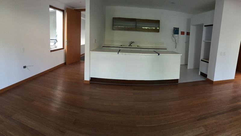 Foto Departamento en Alquiler en  Quito ,  Pichincha  CUMBAYA SE RENTA DEPARTAMENTO DE DOS DORMITORIOS-PORCHE Y JARDIN