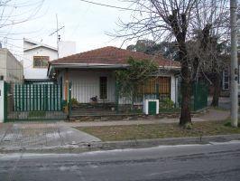 Foto Casa en Venta en  Adrogue,  Almirante Brown  RIPAMONTI 191, Esq. Soler