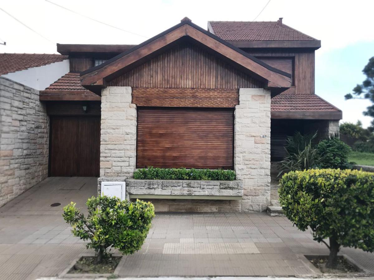 Foto Casa en Venta en  Santa Rosa,  Capital  corrientes al 300