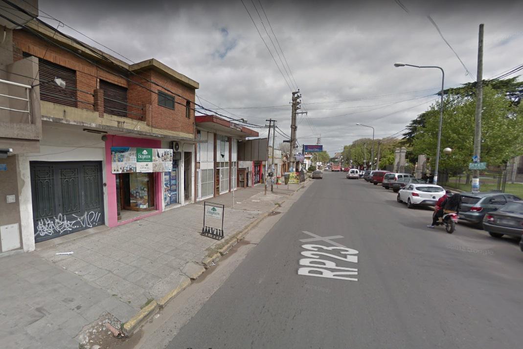 Foto Local en Alquiler en  Centro (Moreno),  Moreno  Libertador al 700