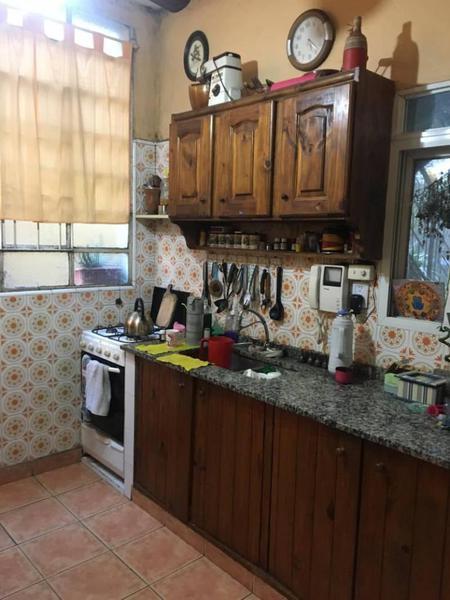 Foto PH en Venta en  Sarandi,  Avellaneda  Sarandi