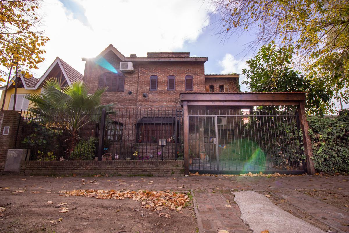 Foto Casa en Venta en  Don Torcuato,  Tigre  Arata al 1800