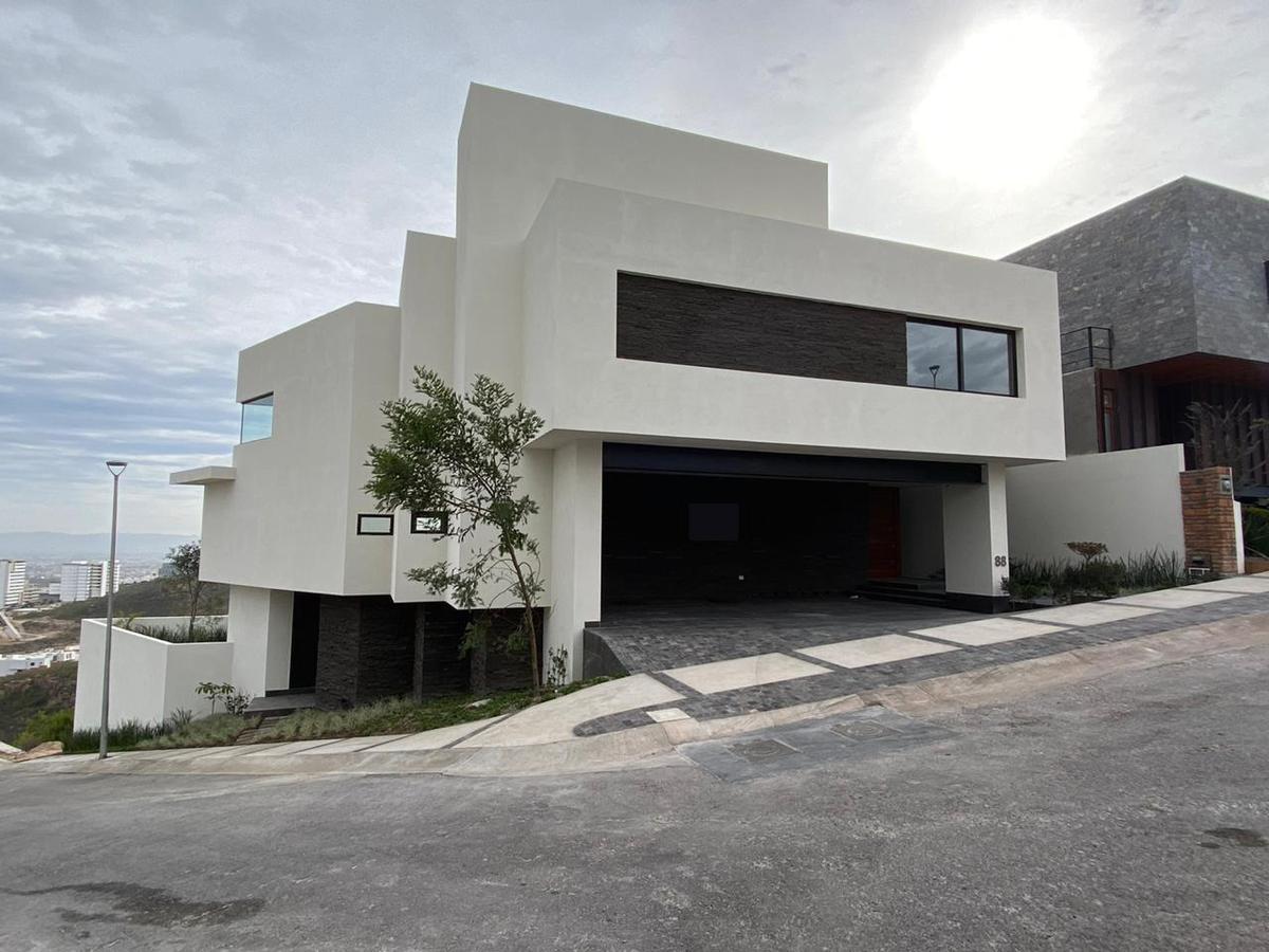 Foto Casa en Venta en  San Luis Potosí ,  San luis Potosí  ESPECTACULAR CASA EN VENTA EN CLUB DE GOLF LA LOMA, SAN LUIS POTOSI