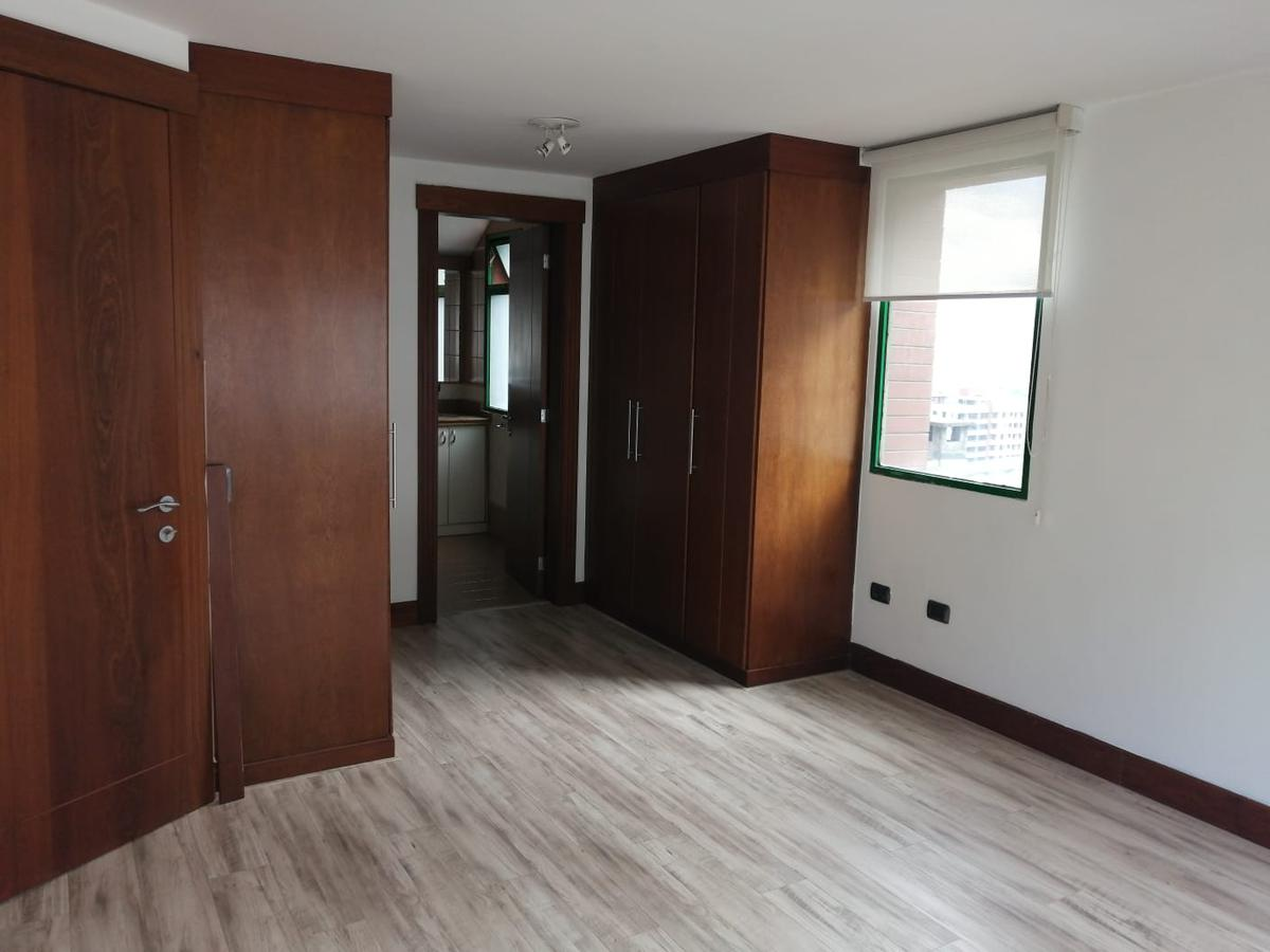Foto Departamento en Alquiler en  El Batán,  Quito  Hermoso Departamento de Renta 170m2 / $850 - Sector El Batán Alto